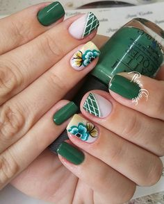 Tendências de cores de unhas para o outono 2018 unhas verdes, unhas azuis, unhas Matte Nails, My Nails, Acrylic Nails, Diy Nail Designs, Super Nails, Green Nails, Flower Nails, Finger, Trendy Nails
