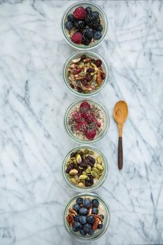 How To Make Steel-Cut Oatmeal in Jars: One Week of Breakfast in 5 Minutes — Cooking Lessons from The Kitchn Mason Jar Meals, Meals In A Jar, Mason Jars, Make Ahead Breakfast, Breakfast Recipes, Breakfast Ideas, Croissants, Cooking Recipes, Healthy Recipes
