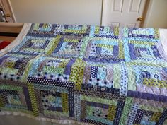 ~ Zany Quilter ~: Another Log Cabin....green and navy!