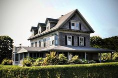 Tom Brady's House in Maine | Real Estate News: L.A. Mansion for U.K. Heiress