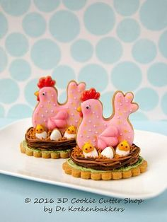 Set of 2 cutters: a chicken cutter and a mini egg-cutter. = inch MATERIAL Our cookie cutters are made from food save Egg Chicken & Egg Cookie Cutter Set Cupcakes, Cookies Cupcake, No Egg Cookies, Fancy Cookies, Iced Cookies, Easter Cookies, Sugar Cookies, Cupcake Cakes, Cookie Cutter Set