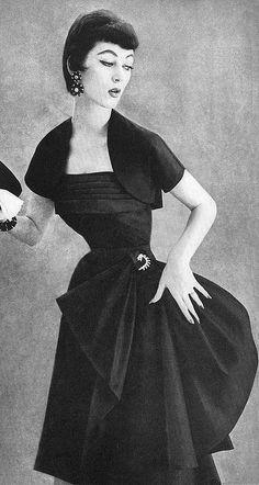 Dovima-1953