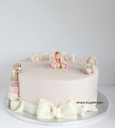 Marsispossu: Ristiäiskakku tytölle, Christening cake for baby girl