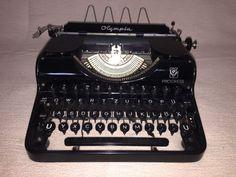 Mechanische Schreibmaschine Olympia Progress vintage portable typewriter