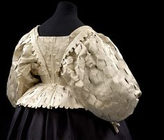 Bodice Place of origin: England, Great Britain Date: 1630-1639 Materials and Techniques: Silk satin, silk taffeta, canvas, buckram and whalebone, handsewn Museum number: 172-1900 | V&A