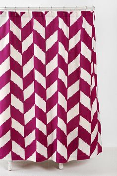Awh i love this chevron shower curtain! It also comes in grey but i like the fushia much better!