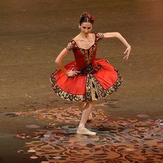<<Svetlana Zakharova as Kitri in Don Quixote, Bolshoi Ballet, Bolshoi Theatre of Russia, April 22, 2017>>