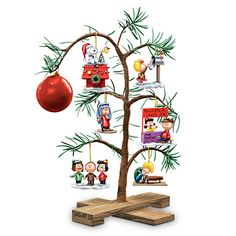 PEANUTS Classic Holiday Memories Tabletop Tree