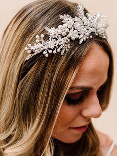 Bridal Comb, Bridal Tiara, Winter Hairstyles, Bride Hairstyles, Flower Tiara, Pearl Hair Pins, Headpiece Wedding, Wedding Hair Pieces, Hair Vine