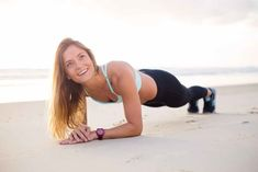 2 minutes of Plank can Make Your belly Enough slim and Beautiful. Plank Is one of The most Liked Exercise to do because Ut required less time With More benefits Pilates Training, Fitness Herausforderungen, Fitness Goals, Physical Fitness, Fitness Music, Planet Fitness, Fitness Quotes, Fitness Tracker, Hoist Fitness
