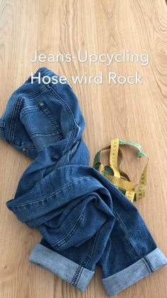 Excellent Cost-Free Jeans upcycling Tips I love Jeans ! And a lot more I like to sew my very own Jeans. Next Jeans Sew Along I am likely to Old Jeans, Ripped Jeans, Jeans Pants, Ropa Upcycling, Gilet Jeans, Next Jeans, How To Make Skirt, Diy Kleidung, Diy Mode
