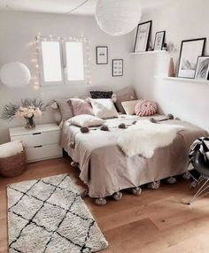 dream rooms for adults . dream rooms for women . dream rooms for couples . dream rooms for girls teenagers . dream rooms for adults bedrooms Cute Bedroom Ideas, Cute Room Decor, Room Ideas Bedroom, Bedroom Inspiration, Bedroom Inspo, Bedroom Ideas For Small Rooms For Teens For Girls, Wall Decor, Wall Art, Bedroom Designs For Girls