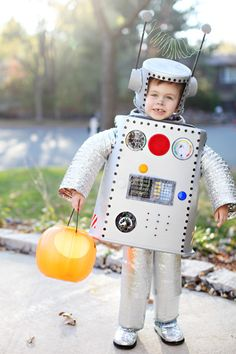 homemade robot boy! #halloween  sc 1 st  Pinterest & Halloween Costume Ideas for Every Girl | Pinterest | Robot costumes ...