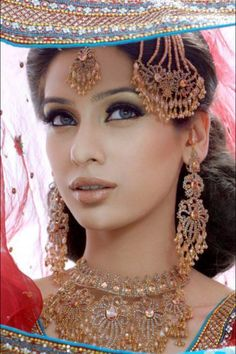 So pretty in Bollywood