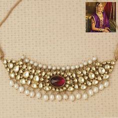 Indian Gold Jewelry Near Me Antique Jewellery Designs, Gold Jewellery Design, Antique Jewelry, Diamond Jewellery, Bridesmaid Jewelry, Wedding Jewelry, Bridal Jewellery, Wedding Wear, Indian Jewelry Sets