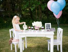 Pregnancy announcement tea party