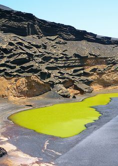 Lago Verde, Lanzarote | Spain (by Leo Margareto)