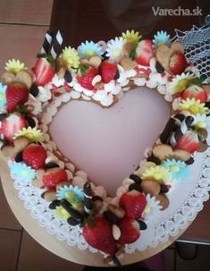 Nahé srdce (fotorecept) - Recept Cupcake Cakes, Cupcakes, Naha, Birthday Cake, Food, Cupcake, Birthday Cakes, Essen, Muffin