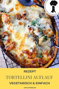 Rezept für Tortellini Auflauf vegetarisch mit Spinat und Champignons. Einfach und schnell! Der beste Tortelliniauflauf braucht nur 5 Minuten Vorbereitung, den Rest erledigt der Ofen. Mit Käse überbacken und mit Gemüse. Gesund und mit Sahne. Vegetarischer Auflauf auch einfach vegan zuzubereiten. Cooked Vegetable Recipes, Quince Hairstyles, Vegetarian Food, Quiche, Cooking Recipes, Vegan, Breakfast, Noodles, Vegetarische Rezepte