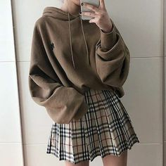Oversize Hoodie & Karo Rock Outfit - Outfits - Source by hoodie outfit Rock Outfits, Edgy Outfits, Cute Casual Outfits, Retro Outfits, Fashion Outfits, Korean Skirt Outfits, Plaid Skirt Outfits, Korean Outfits Cute, School Skirt Outfits