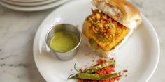 10 of London's best veggie burgers Best Veggie Burger, Places To Eat, Food And Drink, Veggies, London, Hot, Ethnic Recipes, Vegetable Recipes, Vegetables