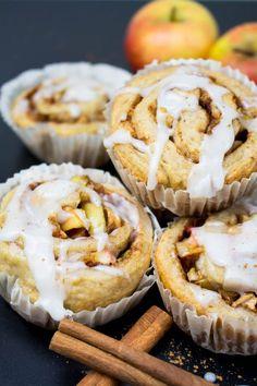 Vegan Cinnamon Rolls with Apples - Vegan Easter Recipes - Gesundes Essen Quick Vegan Breakfast, Breakfast Desayunos, Breakfast Recipes, Easter Recipes, Apple Recipes, Apple Desserts, Cinnamon Recipes, Healthy Dessert Recipes, Vegan Recipes