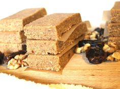 Raw Vegan Bars with Walnuts and Dates (sugar free, vegan, healthy) Vegan Bar, Raw Vegan, Vegan Dating, Protein, English Food, Home Made Soap, Something Sweet, Sugar Free, Cravings