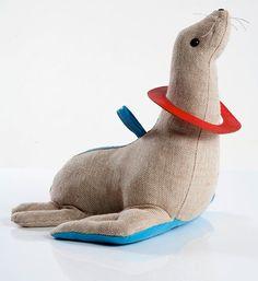 Renate Muller | seal - jute and leather therapeutic toy // otarie jouet thérapeutique en toile de jute et cuir ✭ mid century kids design