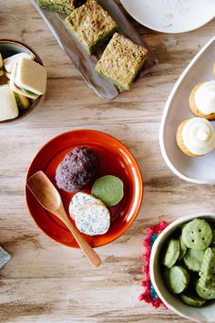Vegan matcha shortbread, white chocolate and black sesame cookie, red bean butter cake.