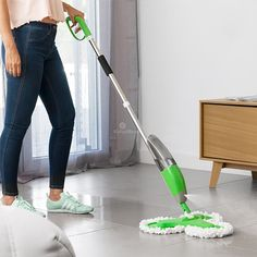 InnovaGoods Triple Dust-Mop with Spray - Mops, Brooms and Floor Dusters Cleaning Appliances, Home Appliances, Tube Acier, Broom Handle, Mops And Brooms, Cordless Vacuum Cleaner, Vacuums, Household, Flooring
