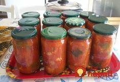 Cigánska omáčka k mäsu (zvlášť na grilovačku) aj na cestoviny, je naozaj výborná a pritom jednoduchá. odporúčam. Ja robím každý rok aj pre nevestu a kamarátku. Všetci si ju vychvaľujú. Recept je starý, mám ho ešte po babky z Maďarska. Potrebujeme: 1 kg paradajok 1 / 2 kg cibule 6 strúčikov cesnaku Hrsť hrozienok 2...