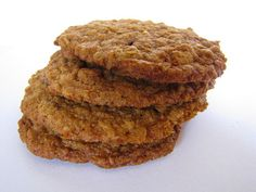 Kamut (or wholemeal) oatmeal cookies. I add dark chocolate. Oats Recipes, Sweet Recipes, Baking Recipes, Whole Food Recipes, Cookie Recipes, Dessert Recipes, Good Food, Yummy Food, Baking Flour