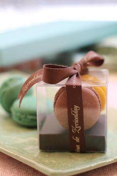 Macarons as a present for weddings and other ceremonies: 2,95€/each box of two. Macarons en cajita para regalar en eventos especiales: 2,95€/cajita de dos unidades.  www.facebook.com/martinazuricaldaybilbao
