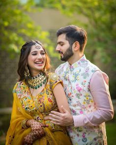 Indian Wedding Poses, Wedding Dresses Men Indian, Indian Wedding Photography Poses, Indian Bridal Outfits, Indian Bridal Fashion, Photography Couples, Engagement Dress For Groom, Couple Wedding Dress, Engagement Outfits