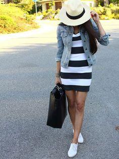 Leuk jurkje met een spijkerjasje, TOP match! Die hoed maakt het helemaal af!