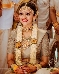 Indian Bridal Makeup, Indian Bridal Outfits, Indian Bridal Fashion, Bridal Sarees South Indian, Wedding Saree Collection, Indian Wedding Photography Poses, Saree Trends, Bridal Blouse Designs, Before Us
