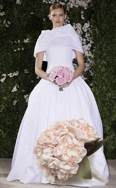 Carolina Herrera #bridal #dress