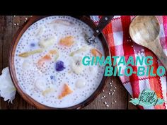 Ginataang Bilo bilo (sticky rice balls in coco milk) Try this easy Ginataang Bilo bilo recipe. A sweet Filipino snack/dessert of sticky rice balls, tapioca pearls and mixed fruits cooked in coconut milk. Filipino Dishes, Filipino Desserts, Filipino Recipes, Filipino Food, Bilo Bilo Recipe, Tea Recipes, Dessert Recipes, Biko Recipe, Tapioca Dessert