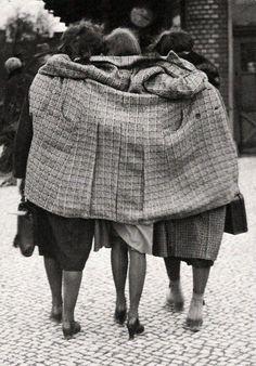 Berlin, 1930. Photo by Friedrich Seidenstücker