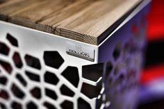 mit der  Echt-Holz Auflage für den COLUMN vereinen wir Holz und Metall zu einem optischem Design Highlight.