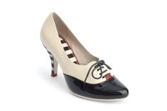 Wether you´r working or going out, this stiletto will carry you with style. This stiletto stripy high heels are super elegant... Your friends will all envy you...