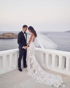 Sexy Backless Mermaid Wedding Dresses 2020 Lace Appliqued Deep V Neck Country Wedding Dress With Lining Sweep Train robes de mariée Backless Mermaid Wedding Dresses, Wedding Dress Types, 2015 Wedding Dresses, Country Wedding Dresses, Backless Wedding, Mermaid Dresses, Cheap Wedding Dress, Wedding Gowns, Reception Dresses
