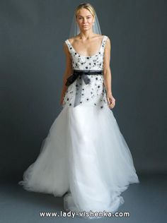 11. Schwarz Weiß Brautkleid  Alle Brautkleid Schwarz Weiß http://de.lady-vishenka.com/black-white-wedding-dress-2016/