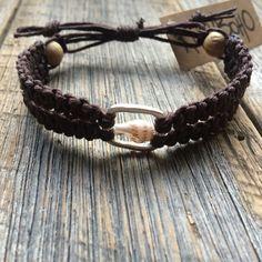 Double square knot macrame shell bracelet