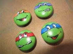 Teenage Mutant Ninja Turtle Hand Painted Dresser Knobs - Craft for Boys Turtle Painting, Pebble Painting, Pebble Art, Stone Painting, Stone Crafts, Rock Crafts, Arts And Crafts, Rock Painting Ideas Easy, Rock Painting Designs