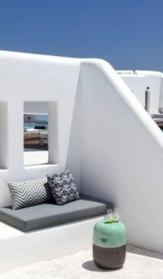 Mediterranean Architecture, Mediterranean Style Homes, Unique Architecture, Santorini Palace, Cabana, House With Balcony, Greek House, Modern Rustic Homes, Built In Seating