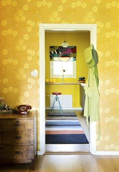 I love that yellow wallpaper. Next Living Room, Yellow Interior, One Bedroom Apartment, Wall Treatments, Of Wallpaper, Contemporary Furniture, House Colors, Colorful Interiors, Interior Design