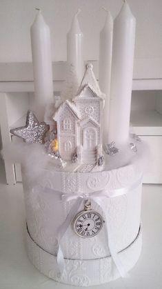Pinke Stumpenkerzen mit Christrosen   Wunderweib   Kerzen, Deko weihnachten  adventskranz, Stumpenkerzen