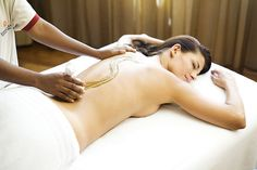 Ayurveda back massage with Othada - herbs    An Indian massage of the back where the therapist first focuses on meridians running along the spine and then begins the massage with hot oils. Most frequently oil Pitta is used for this purpose as it relieves pain and decreases the level of lactic acid in muscles. This is followed by a massage of the whole back using warm bundles of herbs – Othadam.