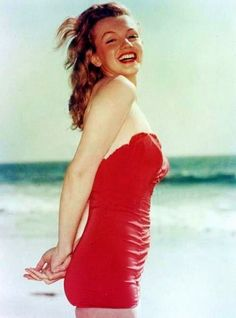 Marilyn Monroe photographed in 1947 © Laszlo Willinger.